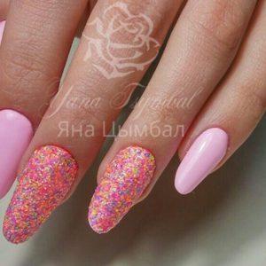 Коррекция гелевых ногтей под лак с покрытием гель лаком розового цвета с меланжем