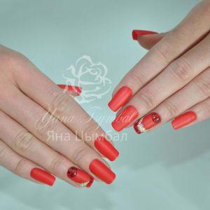 Наращивание ногтей гелем под лак красного цвета