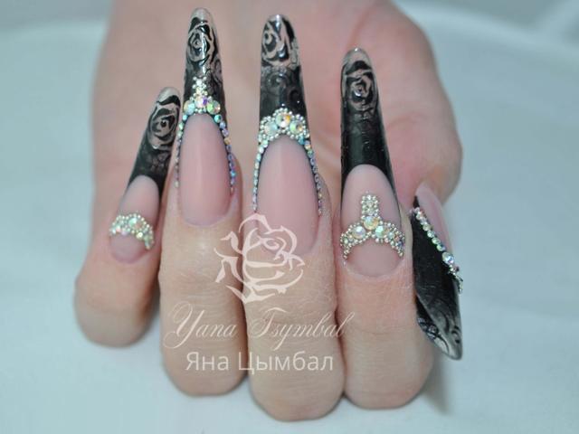 Наращивание ногтей гелем современный миндаль арт френч черный с инкрустацией