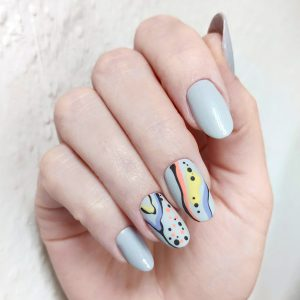 Коррекция гелевых ногтей с дизайном
