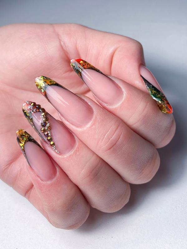 Коррекция гелевых ногтей выкладной френч