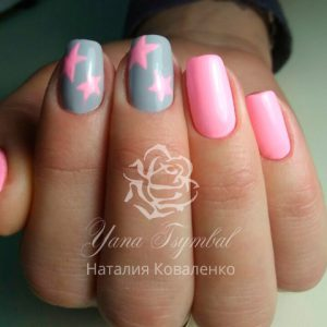 Маникюр с покрытием гель лаком розового цвета