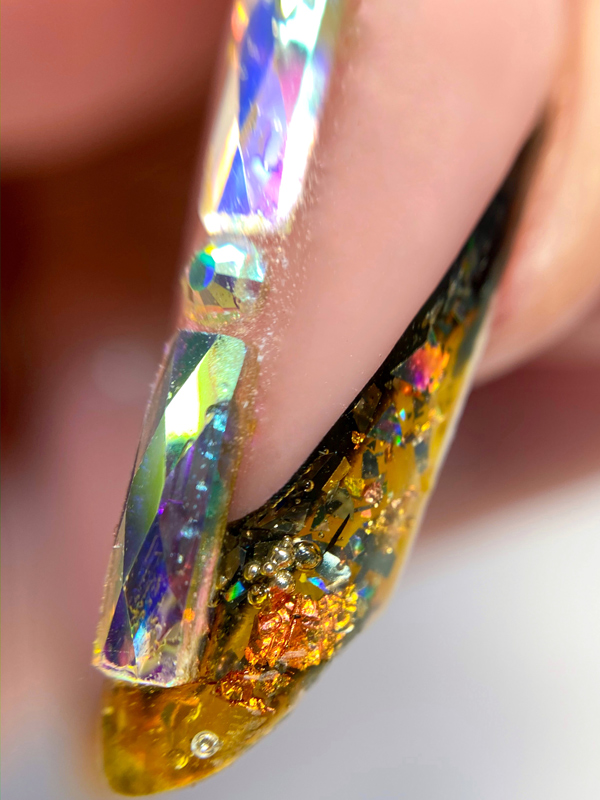 Выкладной френч коррекция ногтей гелем